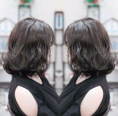 33 Kiểu tóc ngắn xoăn sóng nước 2020 đẹp Mê Hồn