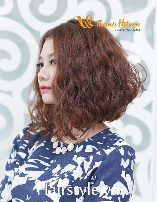 kiểu tóc ngắn xoăn sóng nước 2