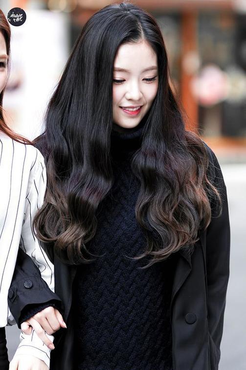 30 kiểu tóc xoăn đuôi đẹp nhất