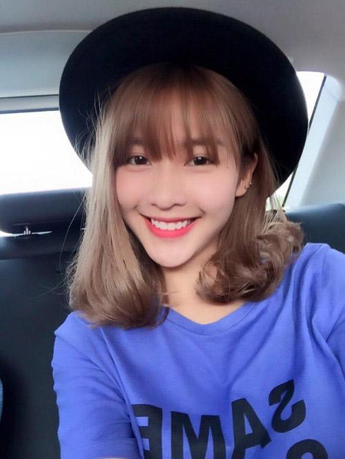 tóc ngắn xoăn nhẹ 18