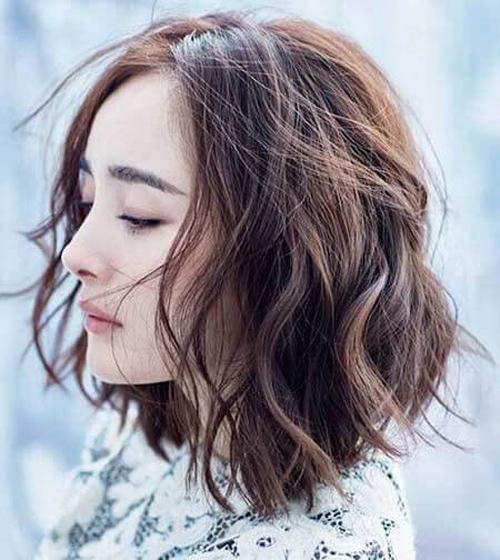 tóc ngắn xoăn nhẹ 19