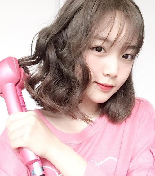 tóc ngắn xoăn nhẹ 9