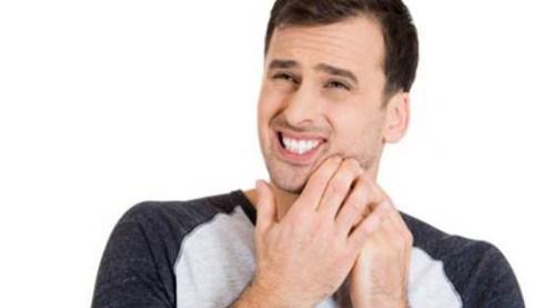 Nguyên nhân và giải pháp giúp giảm ê buốt sau tẩy trắng răng