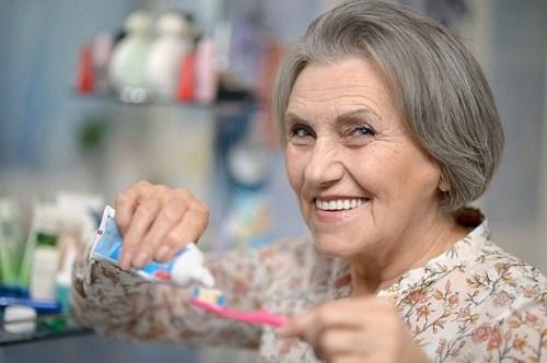 Các phương pháp làm răng cho người cao tuổi giúp cải thiện hàm nhai