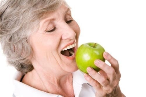 Những lợi ích khi trồng răng implant mà bạn nên biết